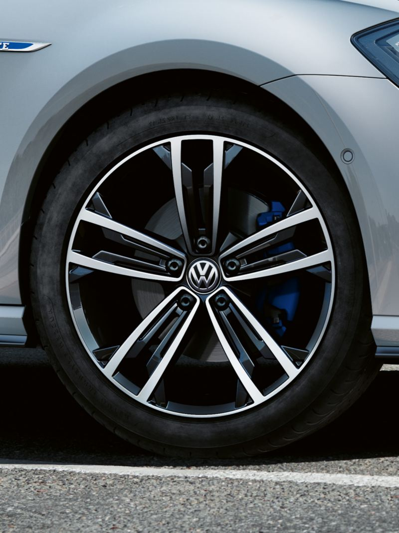 Alloy wheel Sevilla 18 inch VW Golf GTE