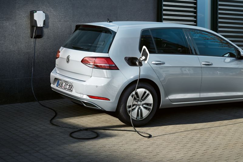 VW e-Golf in carica a una Wallbox
