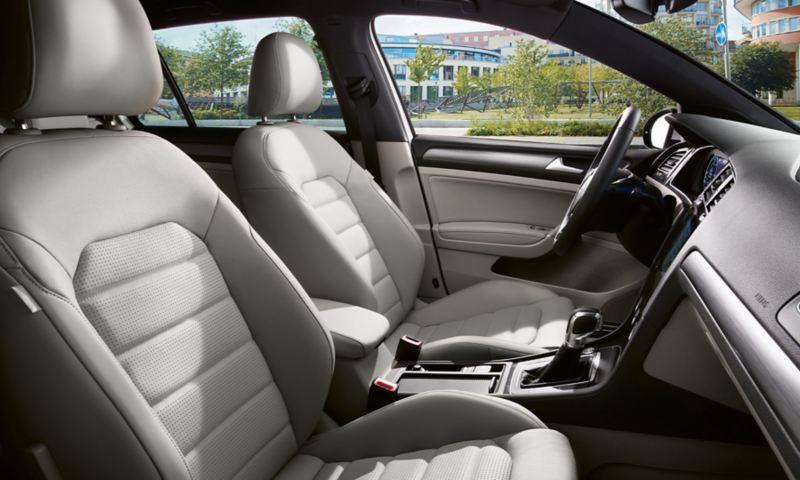 Sedili in pelle di Volkswagen Golf