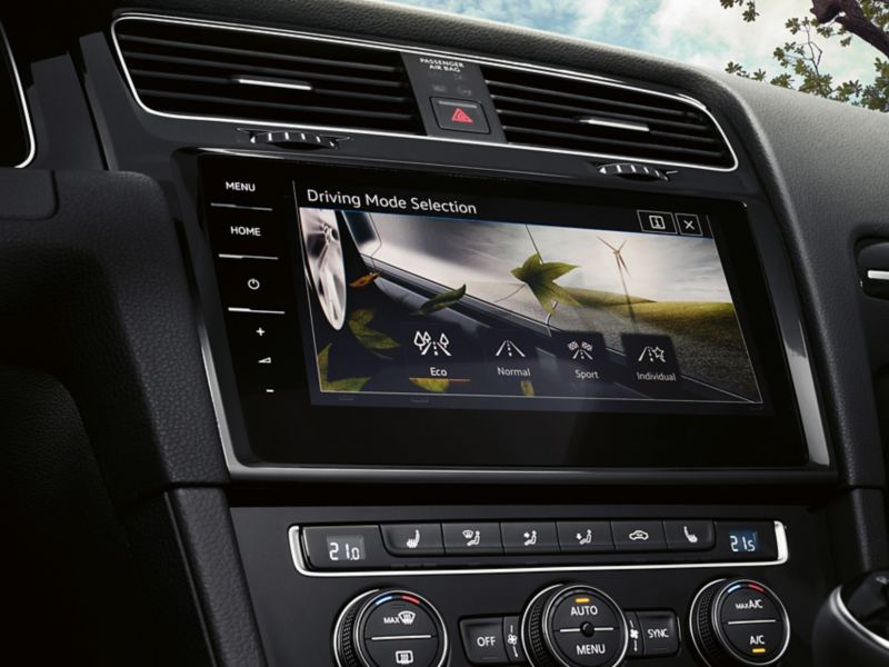VW Golf Navigation Discover Pro, on the display you are able to see the driving profile selection