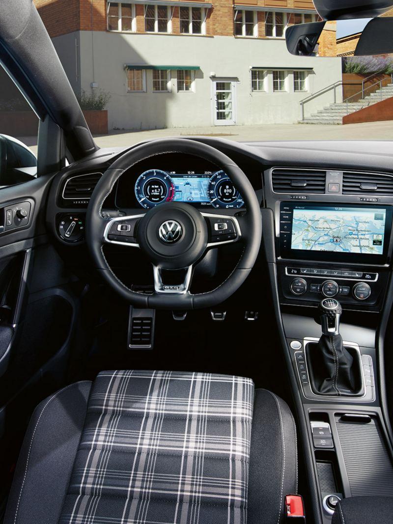 VW Golf GTD Interieur, Vom Fahrersitz auf das GTD Cockpit