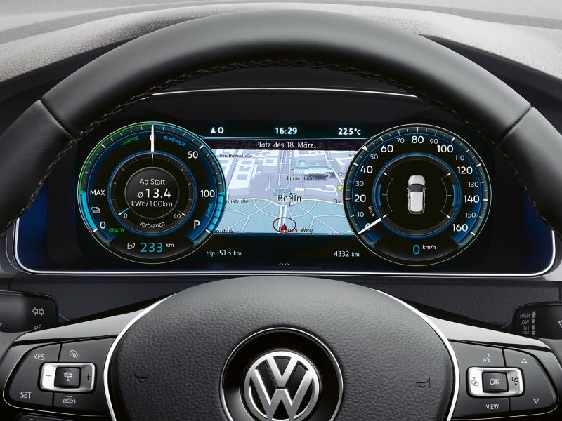 VW e-Golf  Active Info Display with navigation map