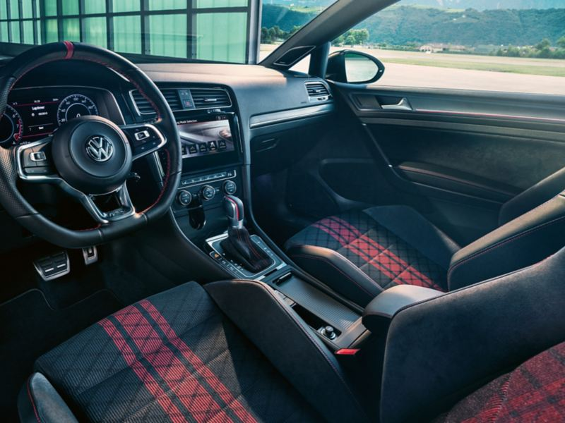 Volkswagen golf tcr gti interior