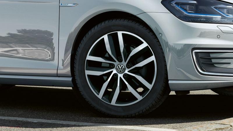17-tommers madrid lettmetallfelger på Volkswagen e-Golf