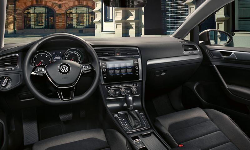Volkswagen Golf TGI, abitacolo della versione Comfortline