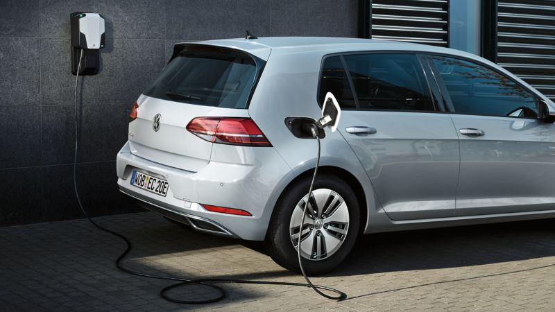 e-Golf rear profile charging
