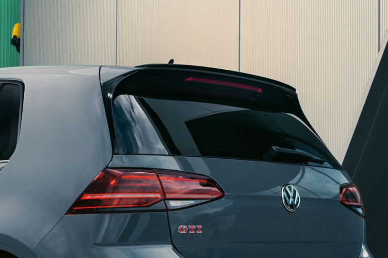 Dachkantenspoiler am VW Golf GTI TCR