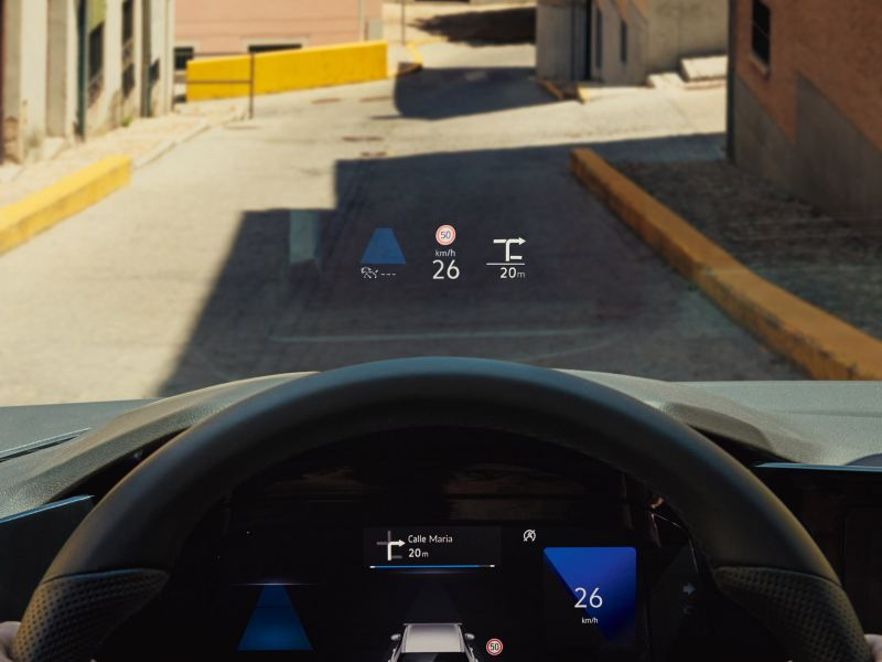 With the head-up display in the Golf Estate, information is projected onto the windshield