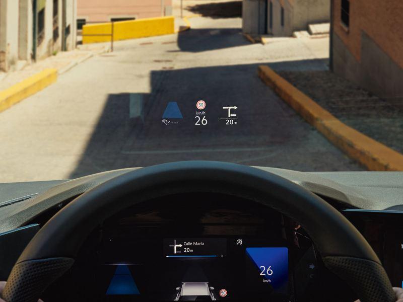 Med head-up display i Golf Sportscombi projiceras information direkt på vindrutan.