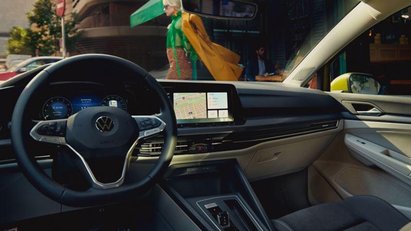 VW Volkswagen Golf med Innovision Cockpit