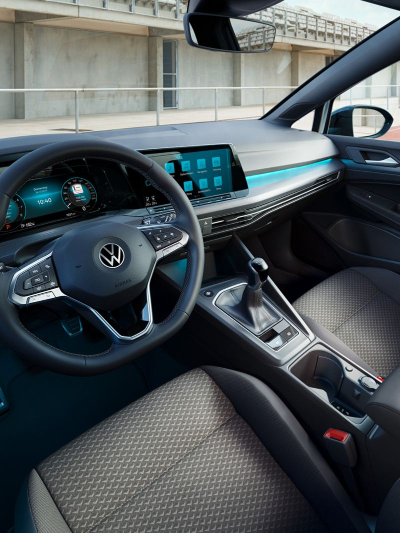 VW Golf UNITED interieur cockpit view close up