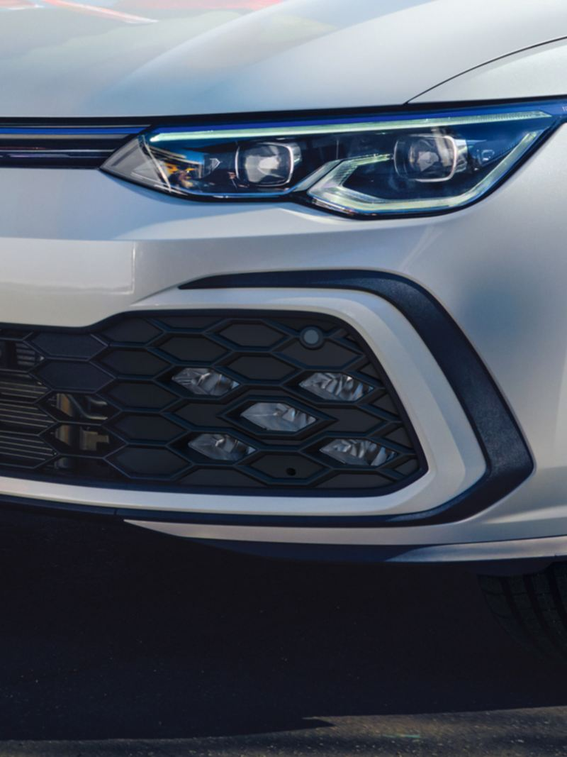 VW Golf GTE in white, detailed view of LED fog lights