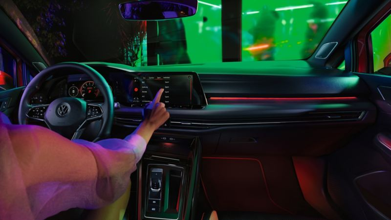 VW Golf GTI Interieur, Cockpit-Ansicht, Infotainment-System