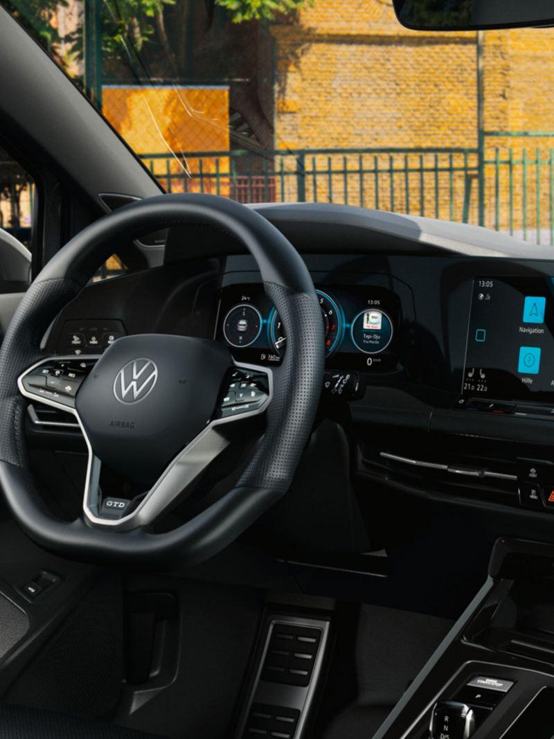 Innovision Cockpit im Golf GTD