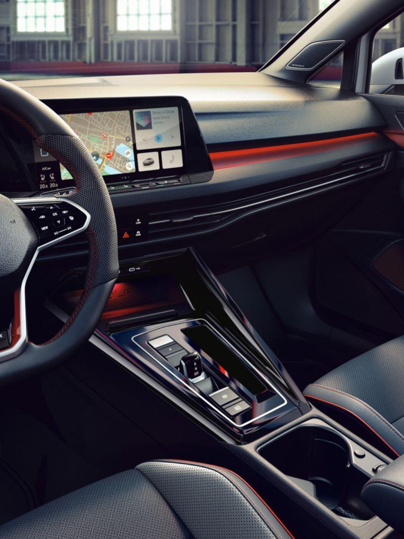 Cockpit et volant dans l'habitacle de la Golf GTI Clubsport