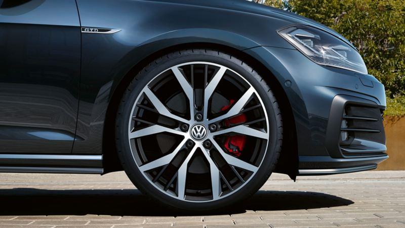 VW Golf GTD Santiago light alloy wheels