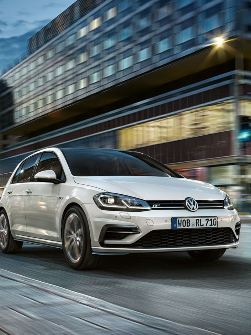 VW Golf R-Line driving at night
