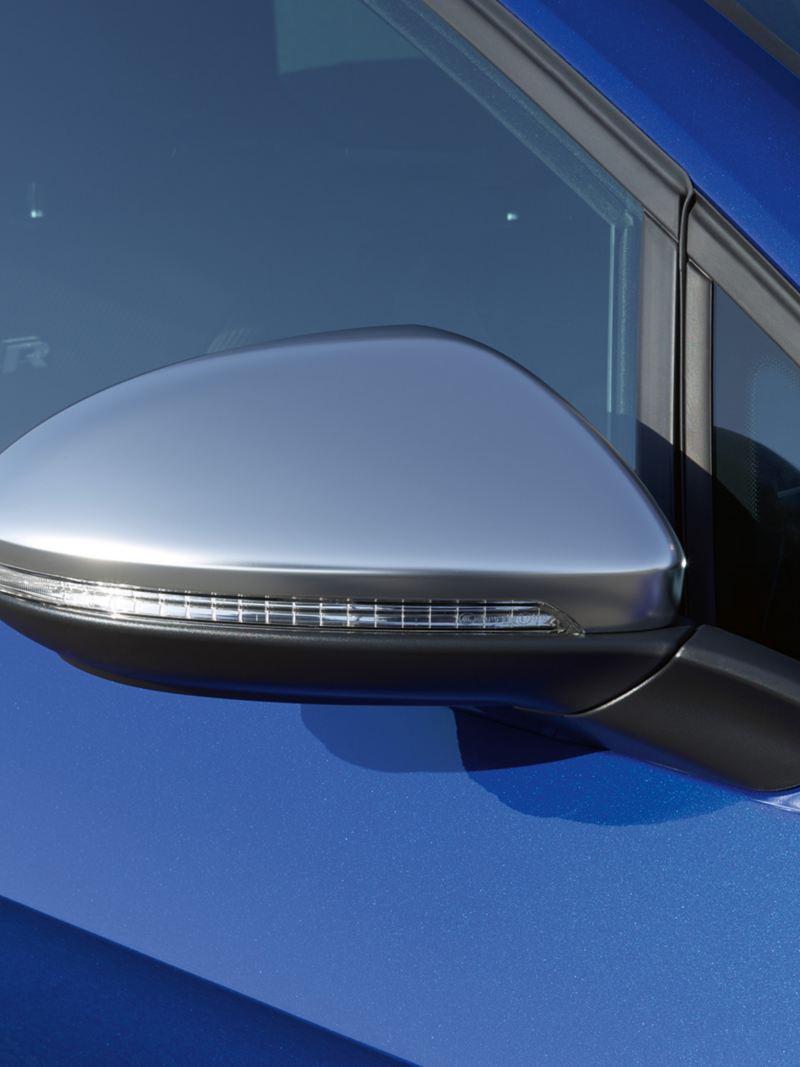 Obudowy lusterek Golfa R Variant czarne, chromowane i karbonowe