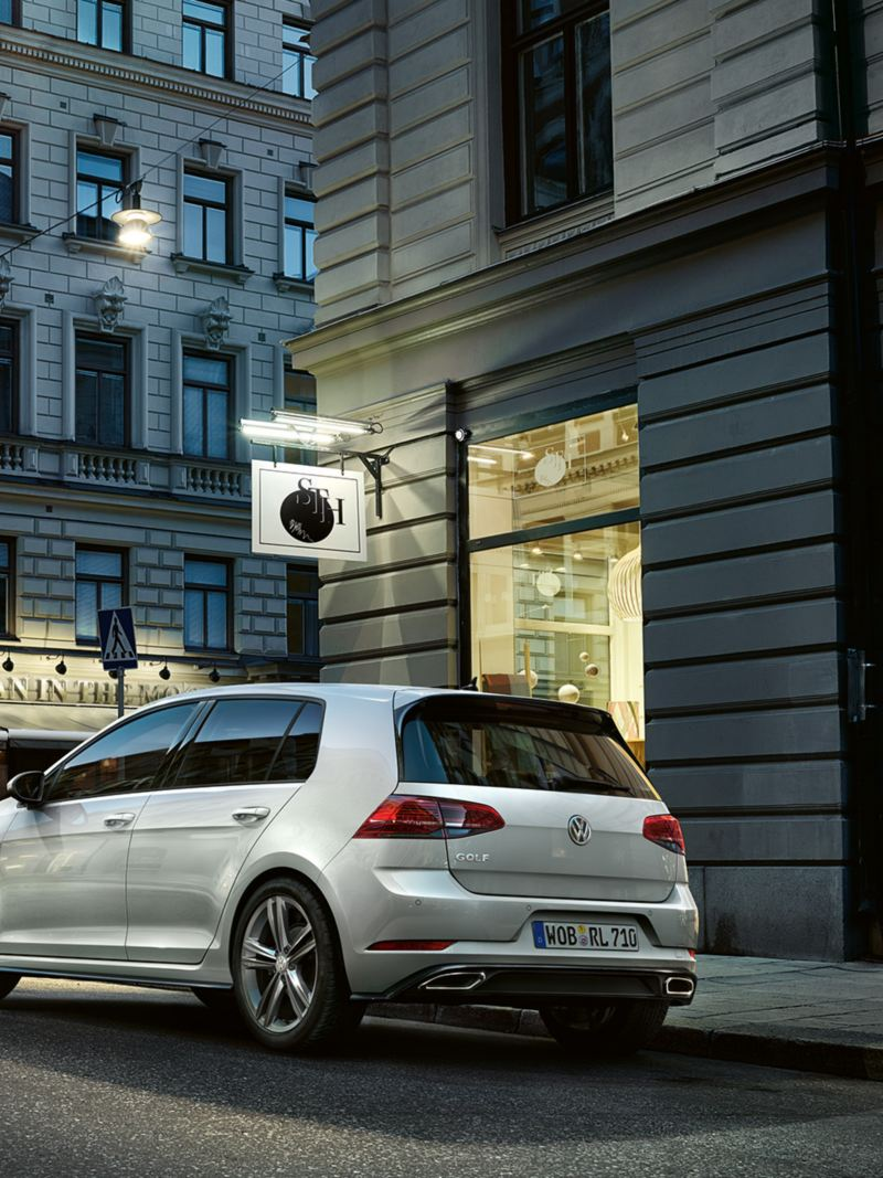 VW Golf R-Line rear perspective