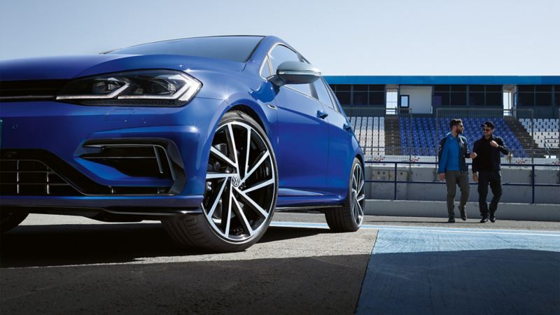 VW Golf R Ansicht von schräg unten, Detail Air Curtains