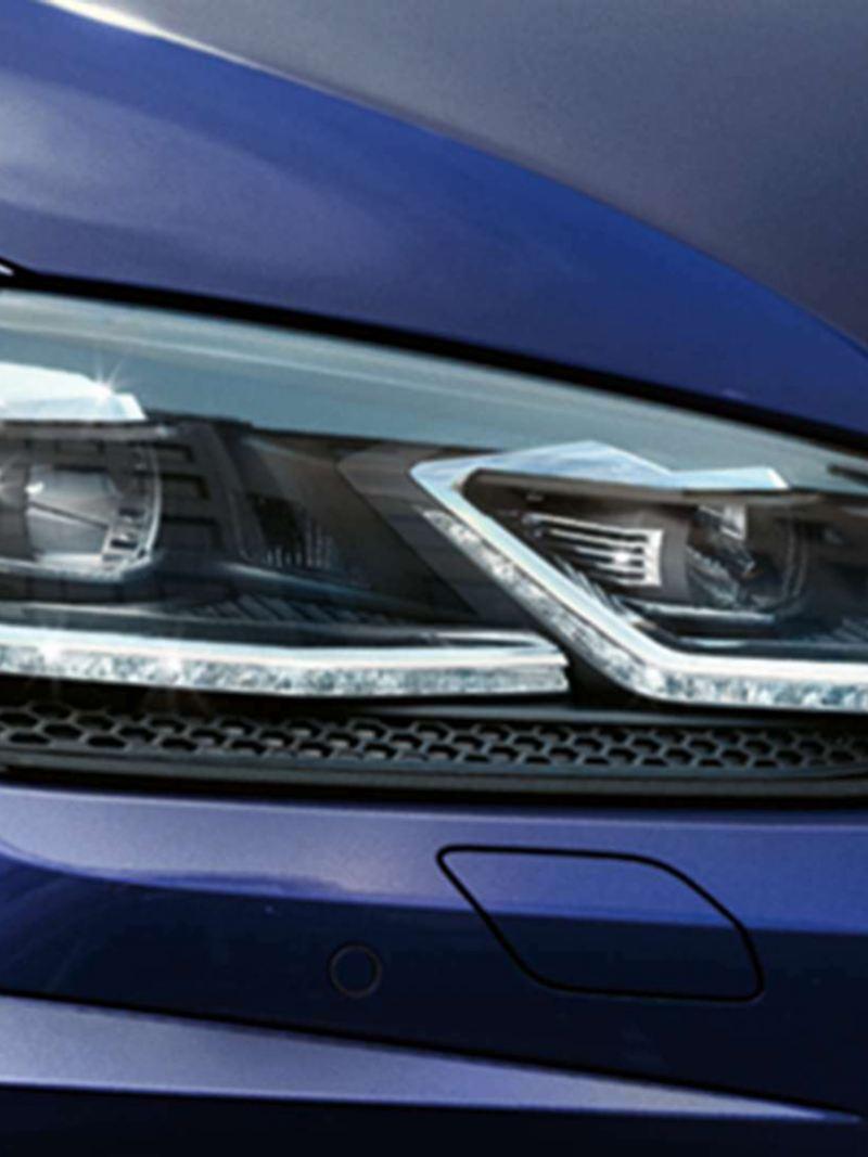 Dettaglio gruppi ottici anteriori Nuova Golf - Volkswagen
