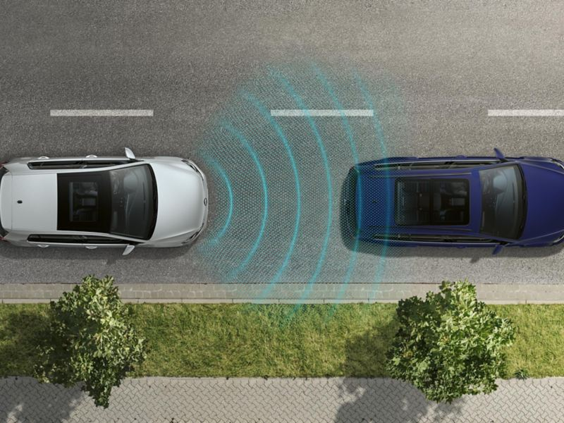 bird's-eye view of the VW e-Golf, driving behind another car, sensors detect the car ahead