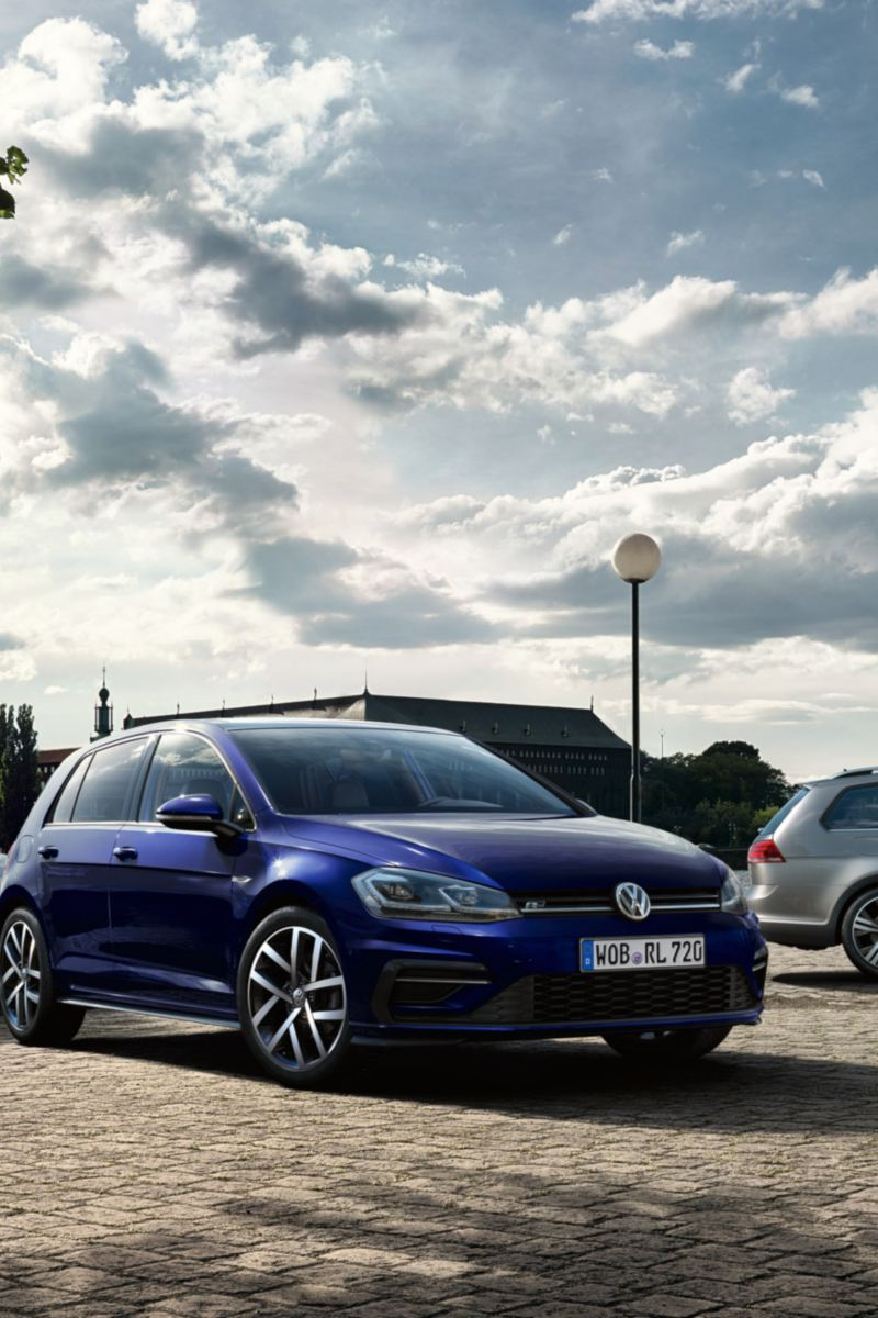 VW Golf, VW Golf Estate and VW Golf Alltrack standing next to each other
