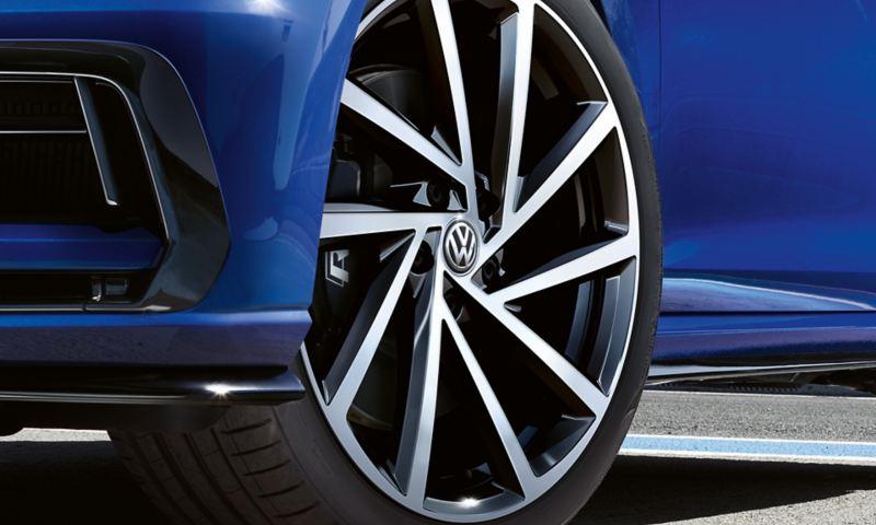 "19"" Spielberg alloy wheels"