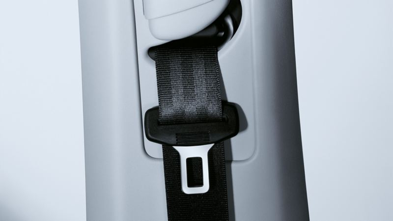 Image of the seat belt in a VW Golf