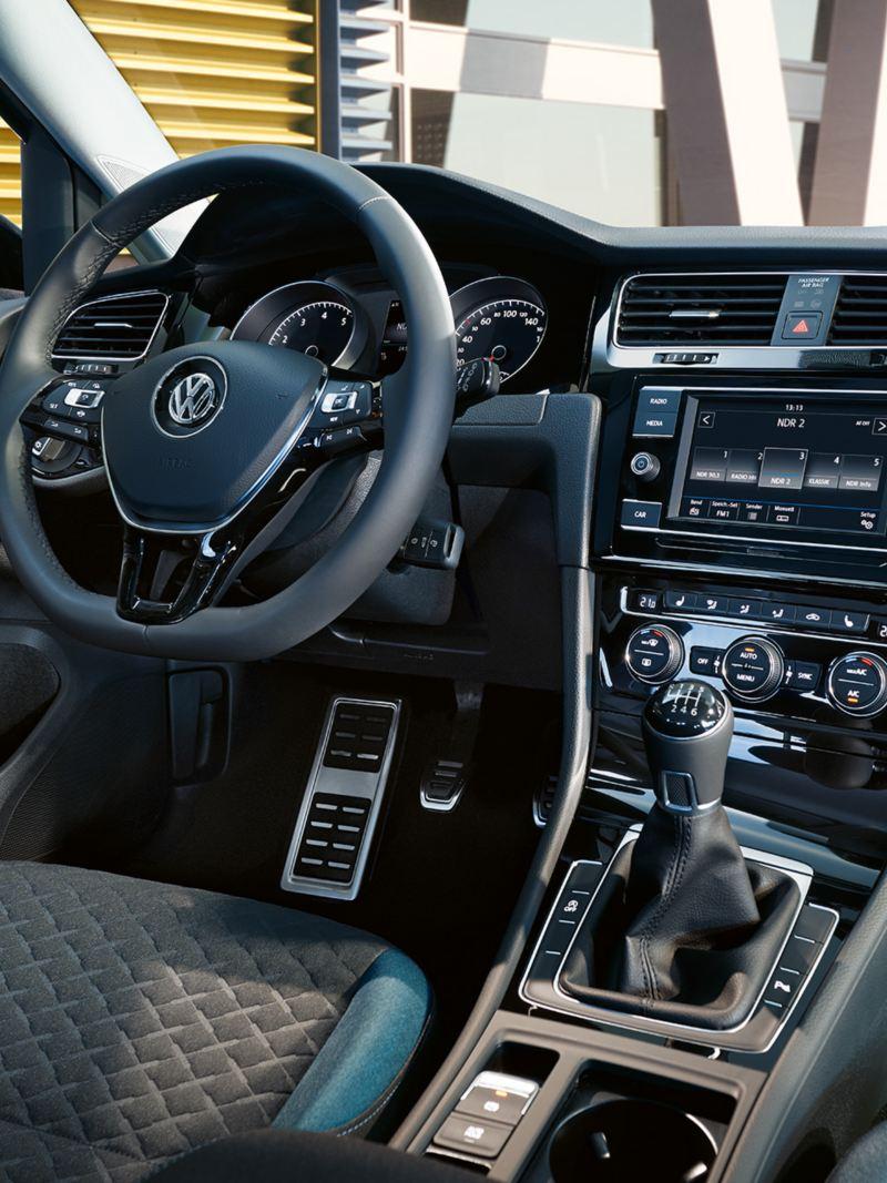 Cockpit Golf Variant IQ.DRIVE