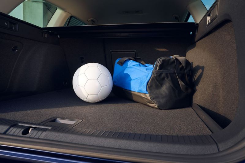 VW Golf Estate UNITED luggage compartment with ball and sportsbag