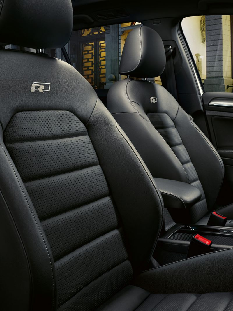 Lederen stoelen in de VW Golf R-Line