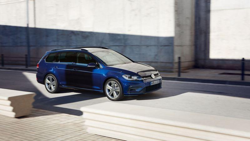 VW Golf Variant UNITED R-Line Paket Exterieur 1/4Front