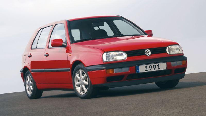 Golf III 1991 rossa tre quarti frontale