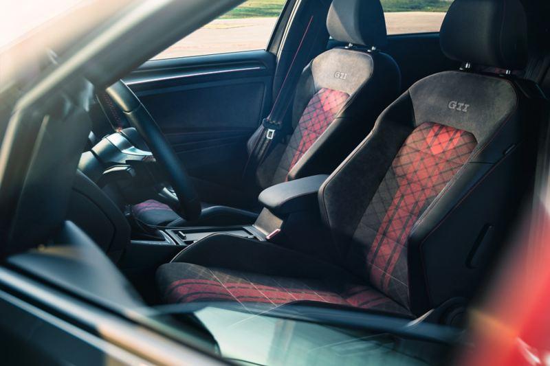 Interni Golf GTI TCR, vista dei sedili anteriori