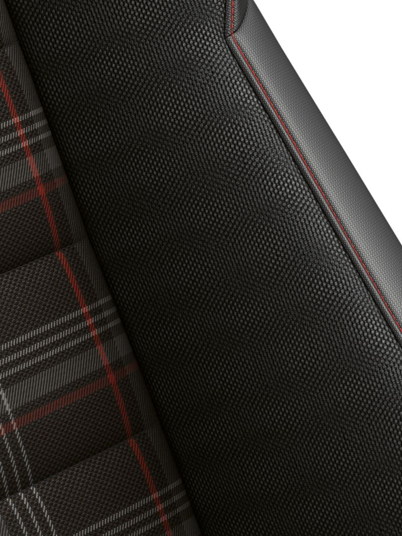 Optional seats with red accents in the Golf GTI