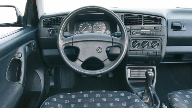 interni volante cockpit Golf III