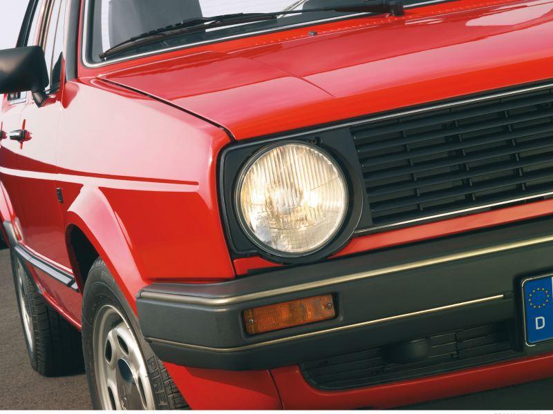 particolare faro Golf seconda serie rossa