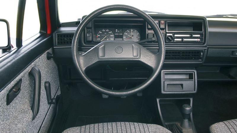 interni volante cockpit Golf II