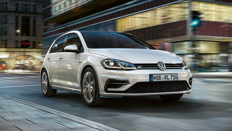Volkswagen Golf, l'auto berlina sportiva