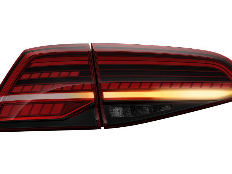 Feux arrière LED de la VW Golf GTI avec clignotants dynamiques