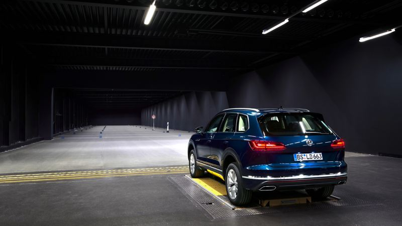 Blue Touareg in the light tunnel
