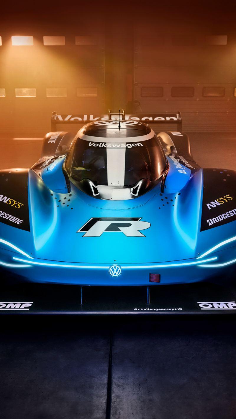 Volkswagen ID.R, elektrisch angetriebener Rennwagen, Lagerhalle