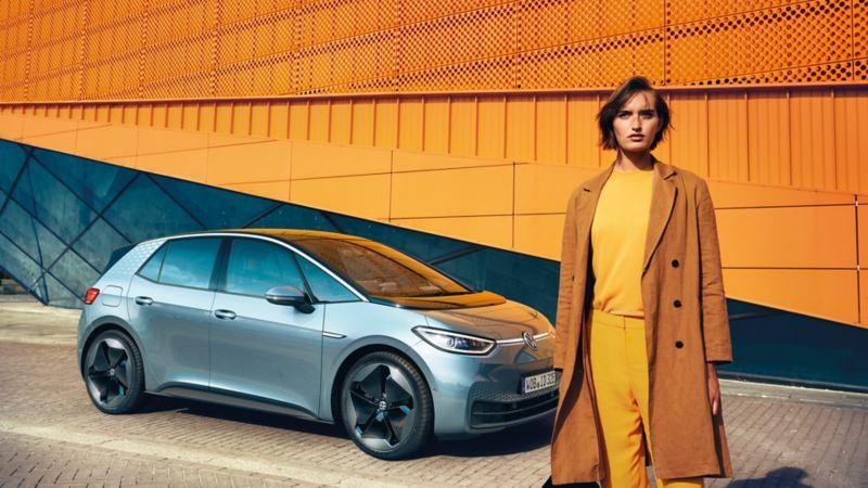 vw Volkswagen rød ID. Vizzion elbil elektrisk bil SUV emobility