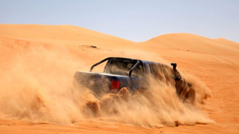 Amarok med fler hästkrafter i Oman: Offroadkörning i lös sand...