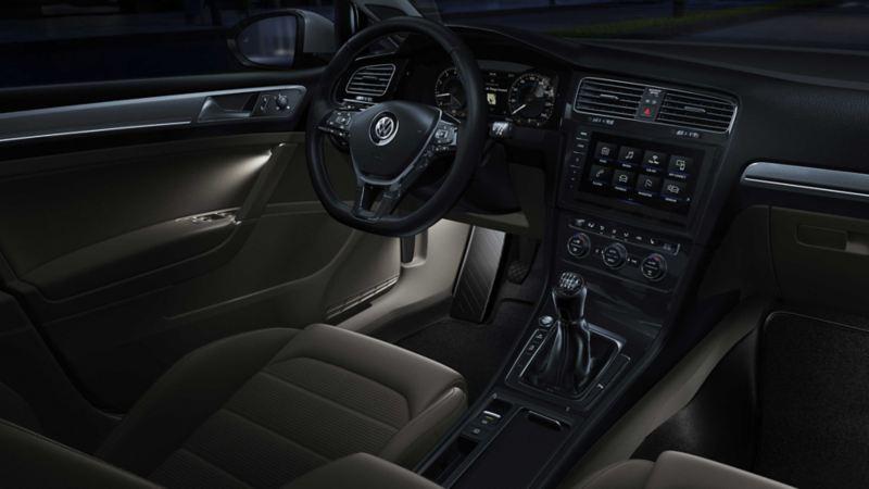 Illuminazione ambiente di una Volkswagen Golf