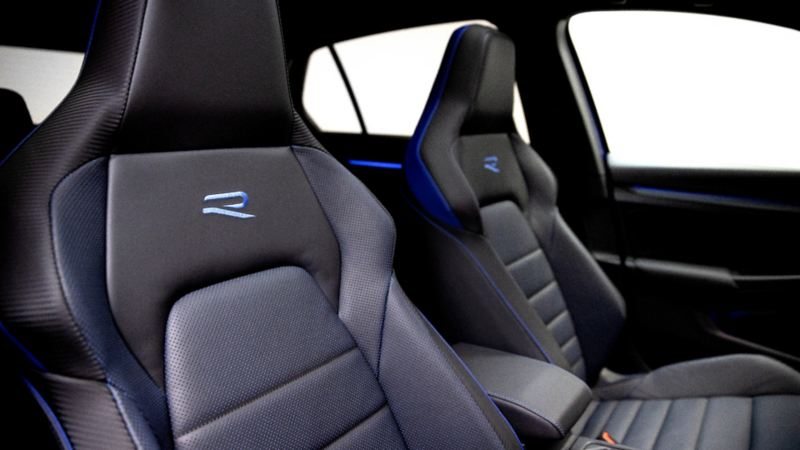 2022 Volkswagen Golf-R - Front Seats Close-up