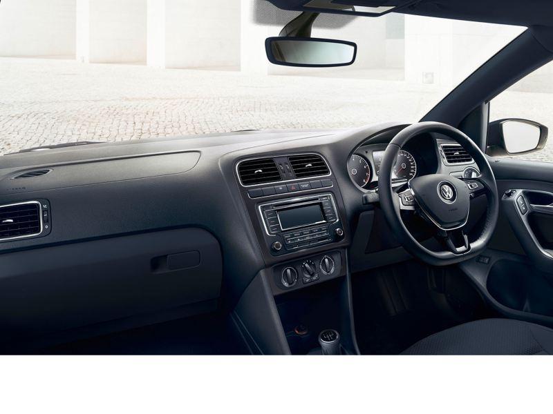 polo sedan interior