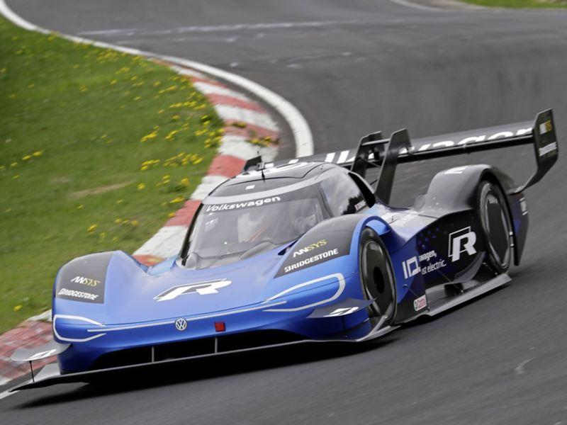 Technologieträger über den Motorsport hinaus – das Ladesystem des ID.R