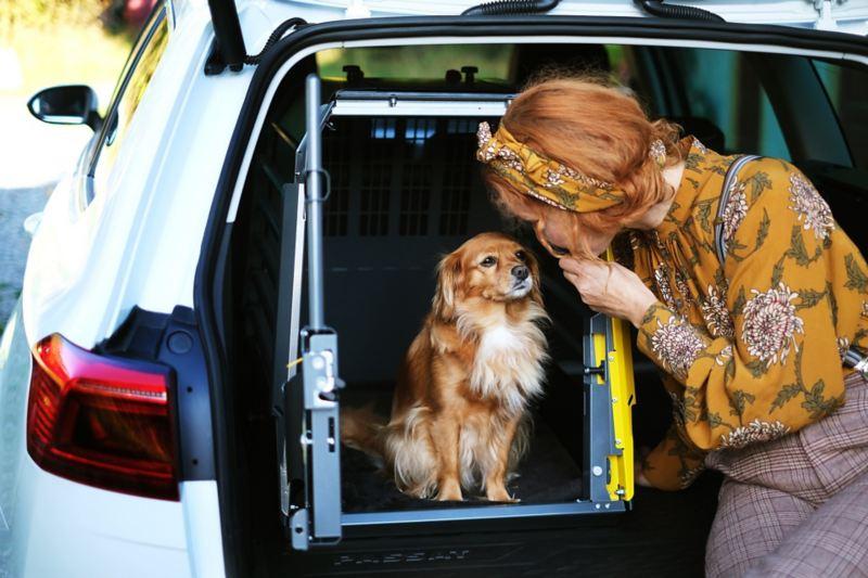 Linda Schilén med hunden Ester
